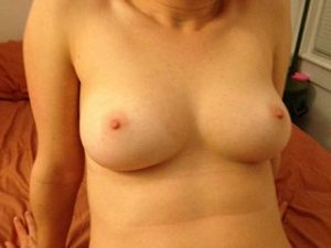 Lorriane escorte sex tape Honfleur 14