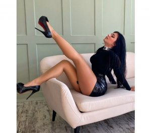Yaba escort girls à Romilly-sur-Seine, 10